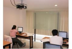 Aulas con lo indispensable para la capacitación en un ambiente agradable y cómodo