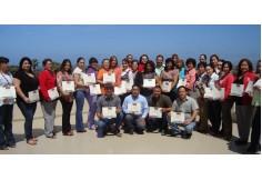 Foto de los grupos a los que se les impartieron Cursos ,  despues de la entrega de constancias